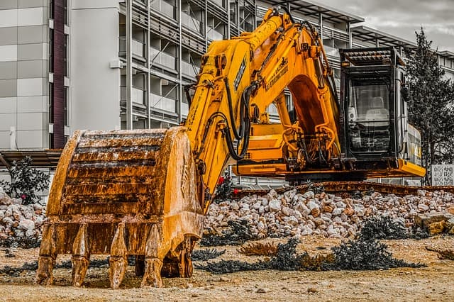 Top 3 Tips for Moving Heavy Machinery